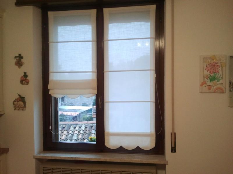 Tende finestra cucina idee di design per la casa sokolvineyard.com